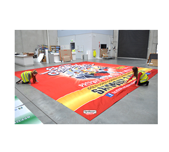 Oversize fabric printing and displays